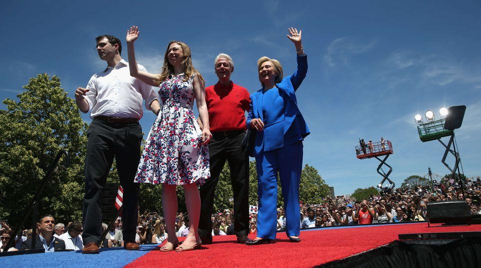 Hillary Clinton und ihre Familie beim Wahlkampfauftakt auf Roosevelt Island