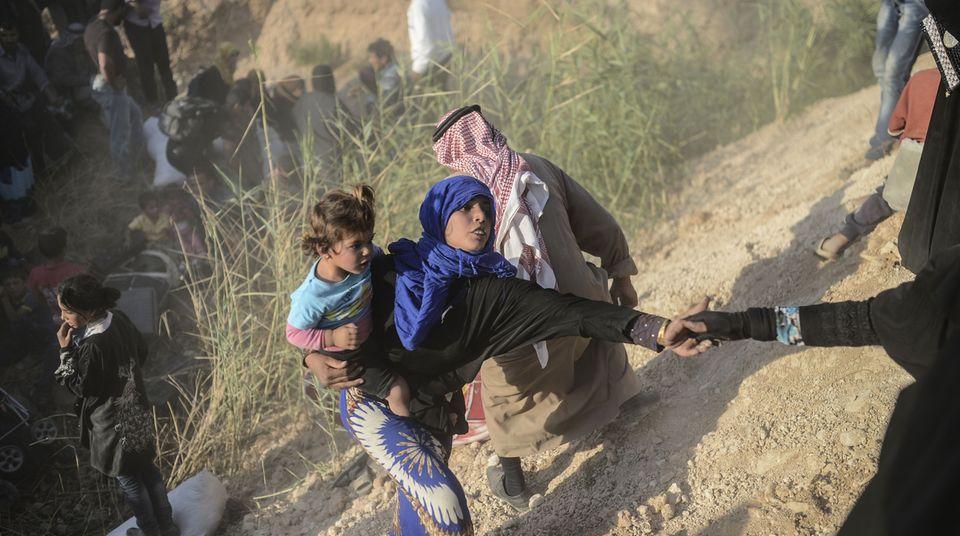 Kriegsflüchtlinge aus Syrien: Dramatische Szenen an der Grenze zur Türkei