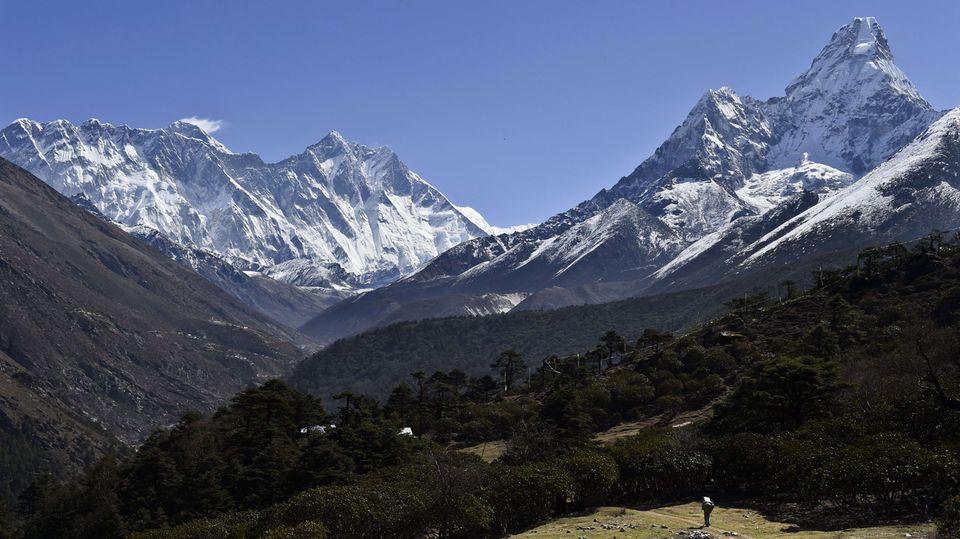 Der Mount Everestin Nepal hat sich nach dem Erdbeben verschoben