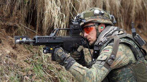 Rolle des MAD im G36-Skandal wird immer undurchsichtiger. Verteidigungsministerin Von der Leyen gerät zunehmend in Bedrängnis.