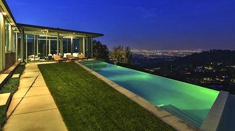 """Hier zieht Pharrell Williams künftig seine Bahnen: der Infinity-Pool der """"Skyline Residence"""" in Los Angeles"""