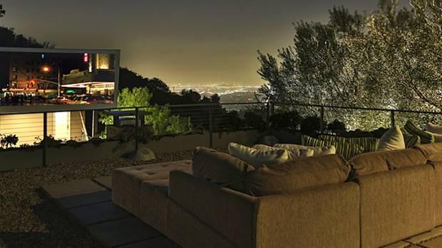 Das Freiluftkino der Skyline Residence