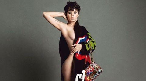 Sängerin Katy Perry zeigt sich freizügig im Moschino-Magazin