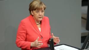 Angela Merkel gibt eine Regierungserklärung ab