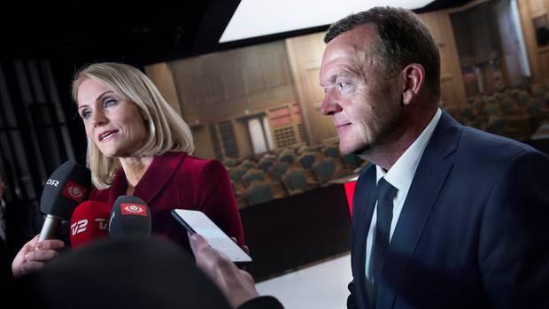 Enges Rennen zwischen der dänischen Regierungschefin Helle Thorning-Schmidt (l.) und Lars Loekke Rasmussen
