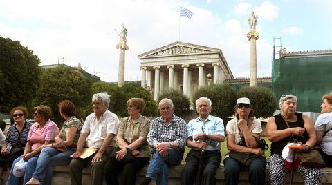 Rentner in Griechenland protestieren