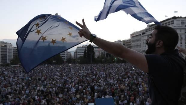 Griechenland demonstriert für Verbleib in Euro-Zone