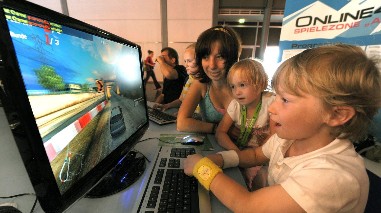 Ob Kinder schon früh online sind, liegt häufig an der Einstellung der Eltern zum Internet
