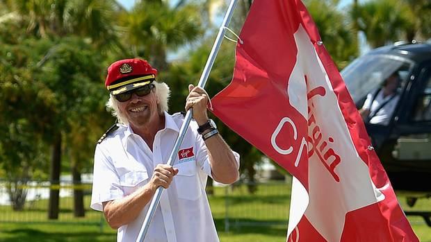 Hoch die Fahne: Milliardär Richard Branson macht jetzt auch in Kreuzfahrt