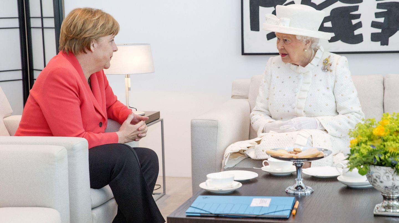 Die Queen und Angela Merkel beim Plausch im Kanzleramt.