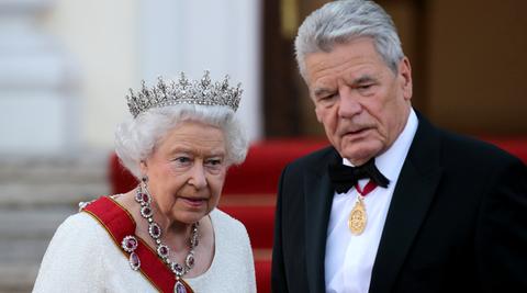 Die Queen vor dem Staatsbankett mit Bundespräsident Joachim Gauck