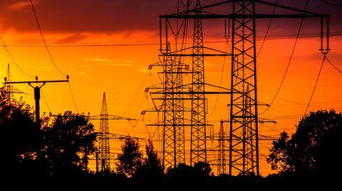 Auch Angestellte in den Bereichen Energie, Wasser und Abfall können sich über ordentliche Lohnsteigerungen freuen. Im Vergleich zu 2012 werden sie 2020 im Durchschnittrund 4100 Euro mehr verdienen.