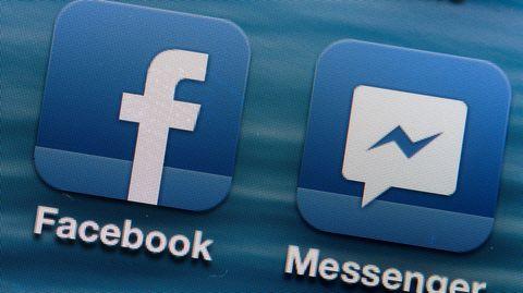 Die Apps für Facebook und Messenger sidn auf einem Smartphone nebeneinander angeordnet