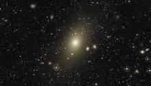 """""""Messier 87"""" besitzt mehr als fünfmal so viel Masse wie unsere Heimatgalaxie die Milchstraße"""