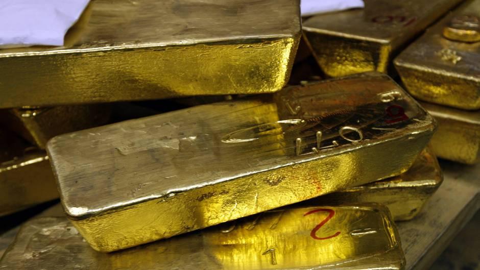 Gold im Wert von mehreren hunderttausend Euro: Ein Goldschatz ist bei Bauarbeiten in Passau entdeckt worden.