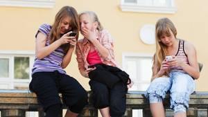 Handy in der Schule verbieten – ja oder nein?