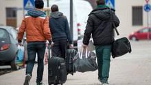 Auf dem Weg zu einer Flüchtlingsunterkunft