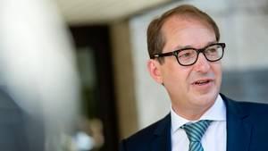 """""""Depressionen sind weit verbreitet und in den meisten Fällen gut heilbar"""", so Bundesverkehrsminister Alexander Dobrindt"""