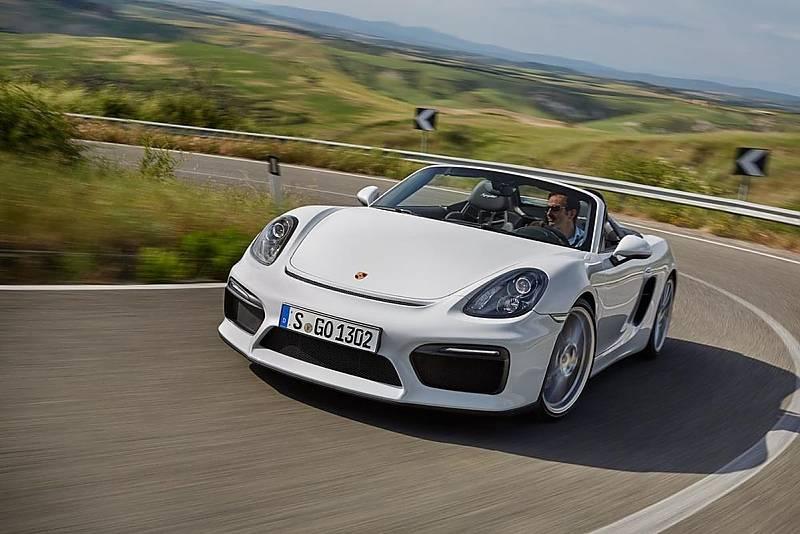 Der neue Porsche Boxster Spyder ist 4,41 Meter lang,...