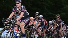 John Degenkolb (l) vom Team Giant-Alpecin bei der Deutschen Straßen-Radmeisterschaft in Bensheim (Hessen)