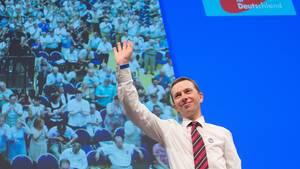 Bernd Lucke, Gründer der AfD, drohte auf dem Parteitag in Essen am Sonntag mit seinem Rücktritt
