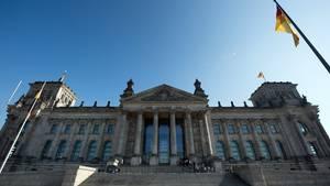 Griechenlandkrise: Der Bundestag wird entscheiden müssen, ob die Griechen Geld vom ESM bekommen.