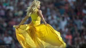 Gelb wie die Sonne: Helene Fischer spielte am Wochenende gleich zweimal im Berliner Olympiastadion