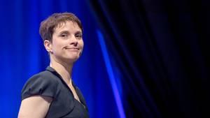 Mit einer Massenmail versucht Frauke Petry die Austrittswelle bei der AfD abzuwenden