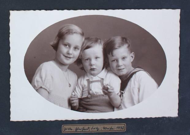 Jutta, Eberhard und Fritz auf einer Fotografie von 1937