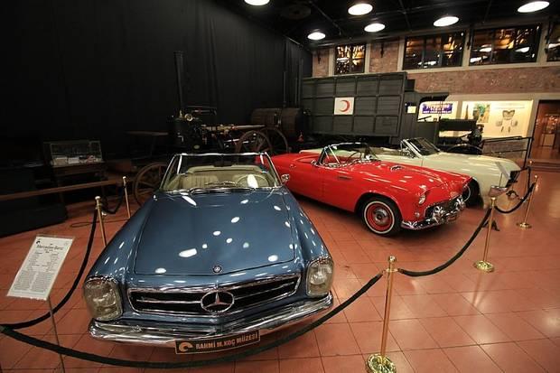 Mercedes-Benz 230 SL (1967), Ford Thunderbird (1956) und Buick Skylark Convertibel (1967)