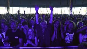In der Musikszene hat es sich schon rumgesprochen: Egal zu welcher Uhrzeit und bei welchem Genre, das Publikum feiert jede Darbietung mit frenetischem Applaus. Kein Wunder, dass weltweit Musiker aller Klassen ihren Kollegen von ihrem Auftritt in Roskilde vorschwärmen.