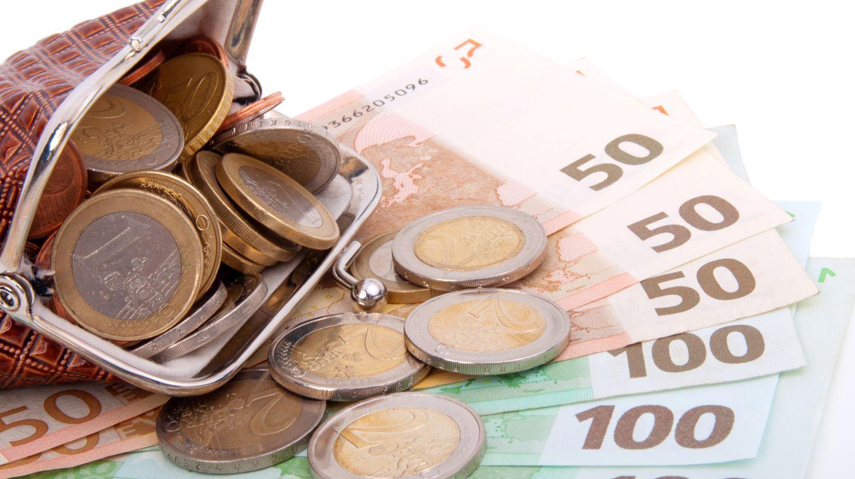 Ein junger Syrer hat einen Beutel mit 1450 Euro gefunden und bei der Polizei abgegeben (Symbolbild)