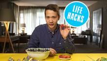 """""""Life Hacks""""-Man Nicky Wong hat keine Lust auf einen Erdbeerstrunk in seiner Bowle."""