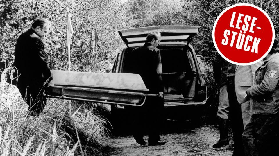 Am 4. Oktober 1981 wird Ursula Hermanns Leiche weggebracht