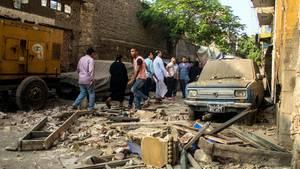 Die Umgebung der Detonation hat schwere Schäden genommen