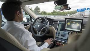 Autonomes Fahren bei Bosch: Tesla S als Versuchsträger