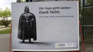 Das Werbeplakat stieß im Netz vor allem auf Spott.