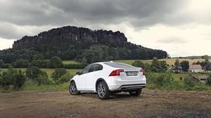 Beim Volvo S60 Cross Country stehen zwei Motoren zur Auswahl - einen Fünf- und einen Vier-Zylinder-Diesel: beide leisten 140 kW / 190 PS