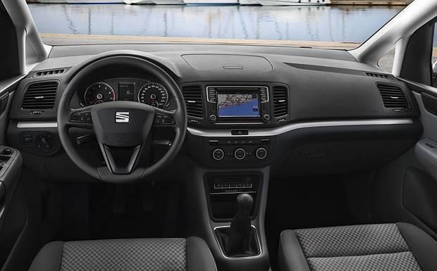 Das Cockpit des neuen Seat Alhambra.
