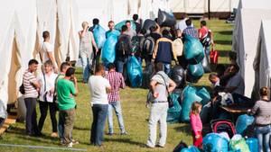 Flüchtlinge ziehen in Hamburg in eine neue Unterkunft ein
