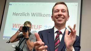 Der inzwischen abgewählte AfD-Parteivorsitzende Lucke hatte im Mai den Verein «Weckruf 2015» gegründet. Foto: Uwe Zucchi