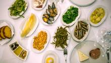 In Istanbul isst man kalte türkische Vorspeisen