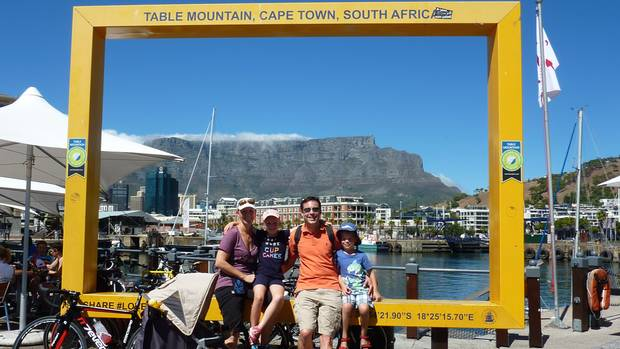 Familie Seidel vor dem Tafelberg