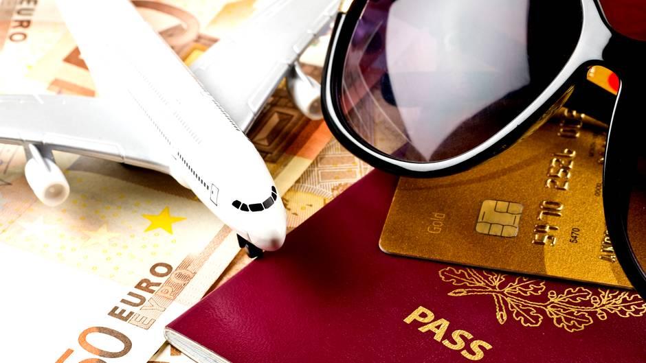 Bezahlen im Urlaub: Wann Sie Bargeld statt der Kreditkarte nutzen ...
