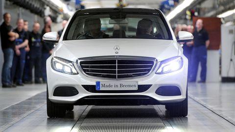 Von April bis Juni fuhr die Daimler mit 2,227 Milliarden Euro 10,5 Prozent operativen Gewinn vom Umsatz ein
