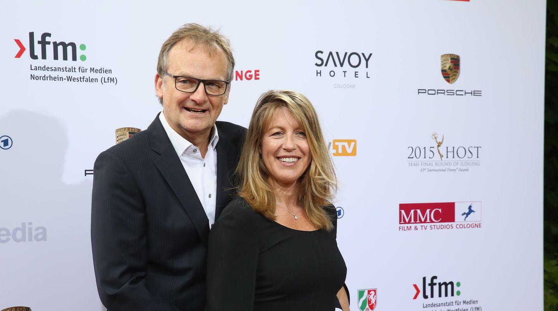 Frank Plasberg und seine Frau Anne Gesthuysen beim Emmy Award in Köln: Die Veranstaltung der Versicherungs-Lobby, zu der Plasbergs Firma eingeladen hat, wird von seiner Frau moderiert