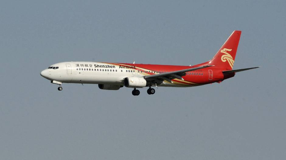 Ein Mann hat versucht, an Bord einer Maschine der Shenzhen Airlines Feuer zu legen