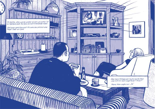 Eltern im Wohnzimmer des Sommerhauses