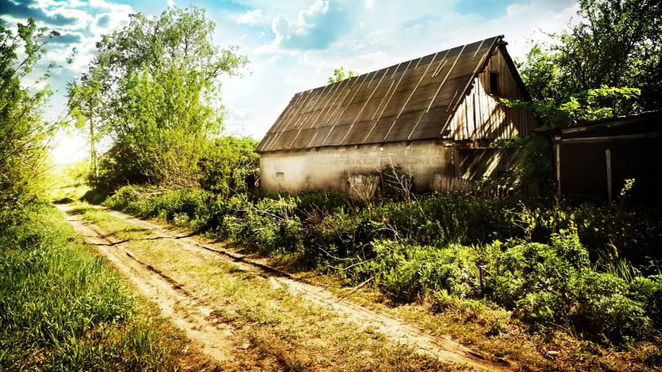 Verfallenes Haus auf dem Land