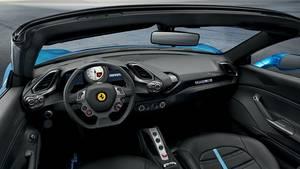 Der Innenraum des Ferrari 488 Spider